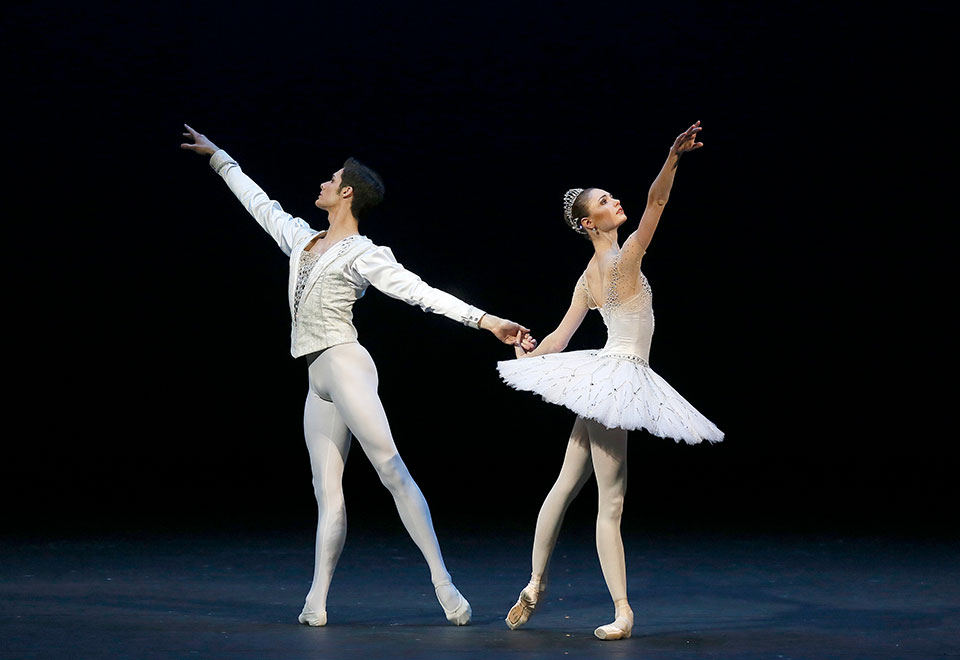 Bolshoi Ballet's Jewels Act III